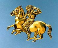 Золотая бляха, изображающая конного скифа. Курган близ Керчи